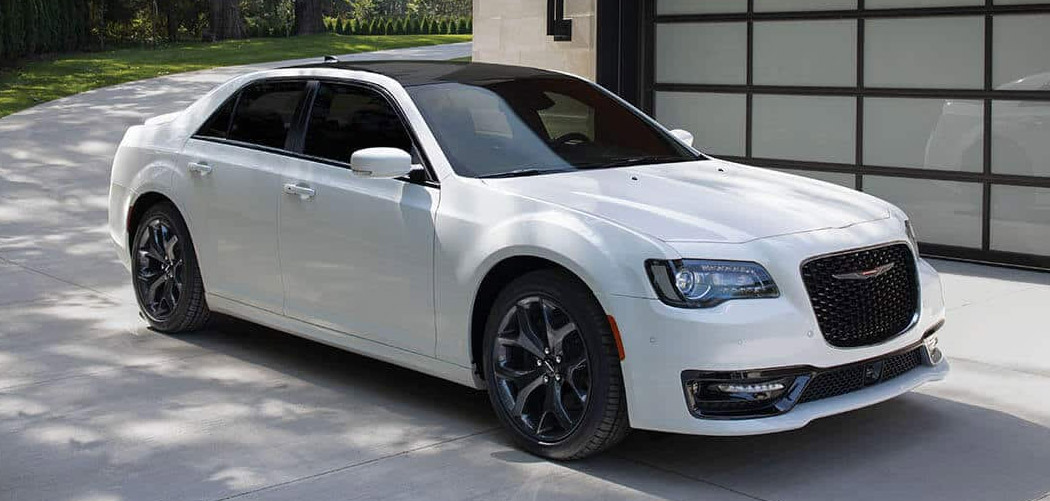 Chrysler 300 Roof Box Featured