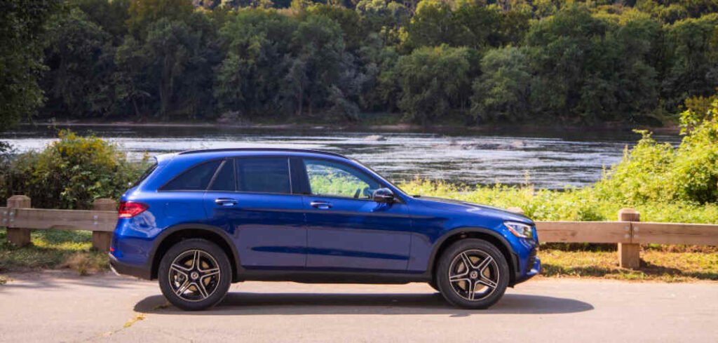 Mercedes-Benz GLC Roof Box Buyers' Featured