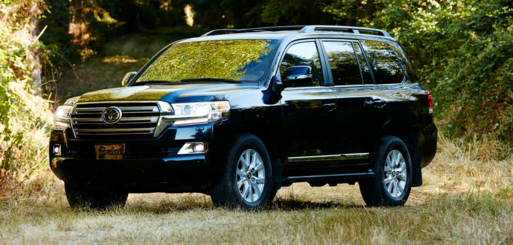 Toyota Land Cruiser Roof Box Featured